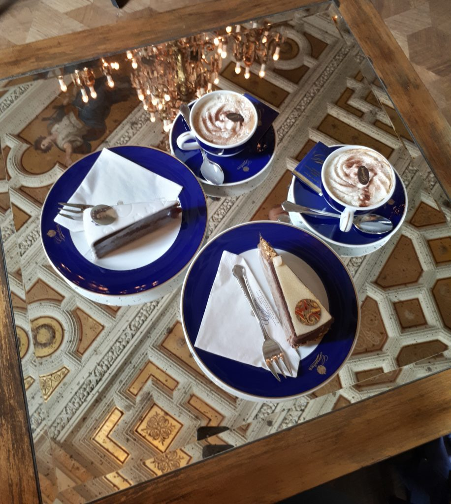 Kaffeehaus mit Sisi-Torte